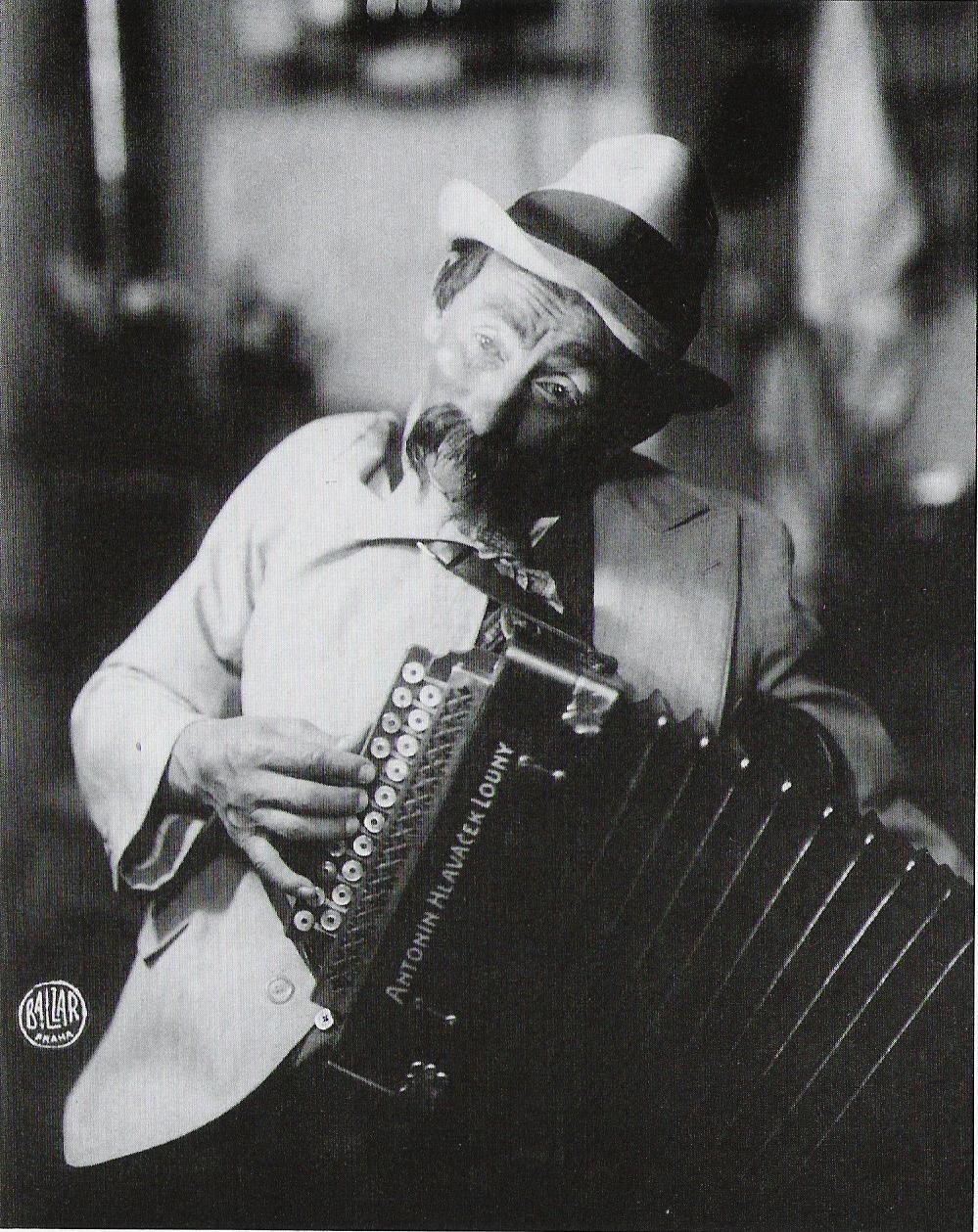 Burian ve hře Ulice zpívá